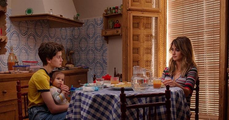 Trailer legendado do filme Mães Paralelas